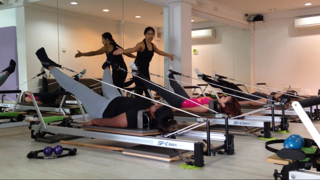 pilates-fitness-reformer-experienced-instructors