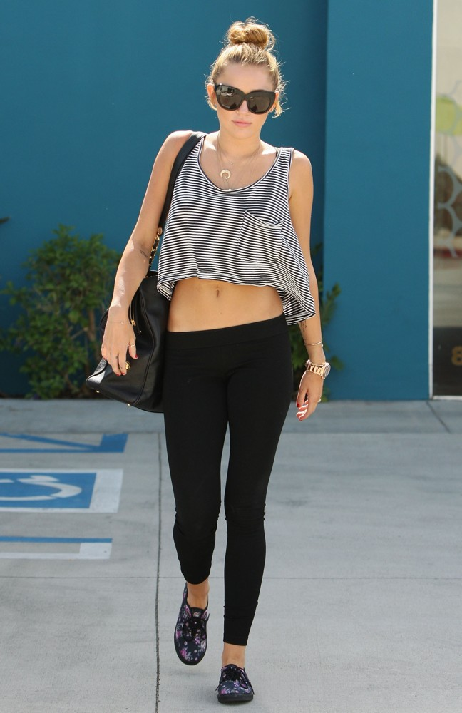 pilates-fitness-miley-cyrus-high-bun-hairstyle